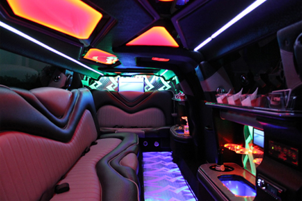 8 Person Chrysler 300 Limo Rental Bridgeport
